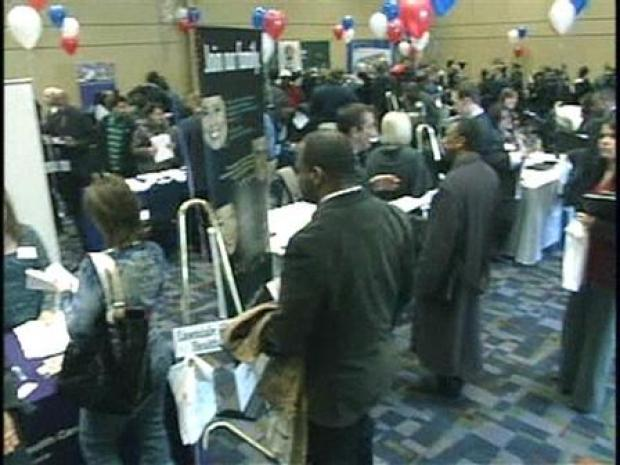 [CHI] Thousand Flock to Chicago Job Fair