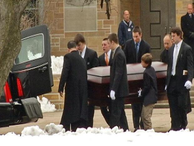 [CHI] SeaWorld Trainer Laid to Rest