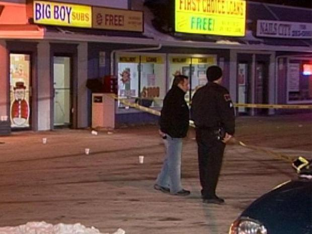 [CHI] Woman Shot to Death Outside Sub Shop