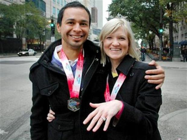 [CHI] Couple Gets Engaged At Chicago Marathon