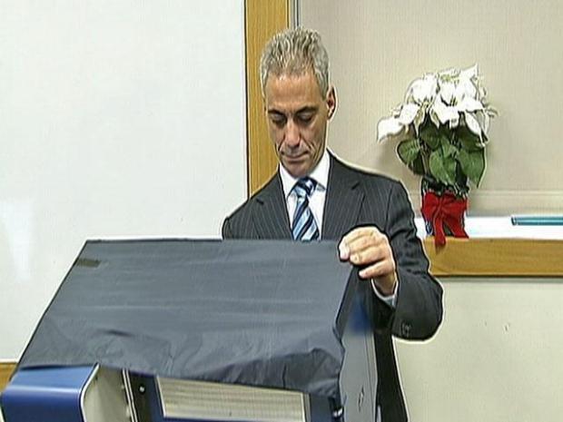 [CHI] Emanuel Casts His Ballot