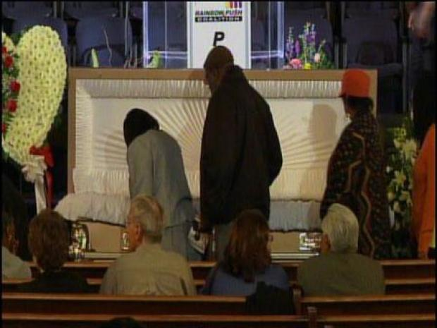 [CHI] Hundreds Turn Out for Koko Taylor's Wake