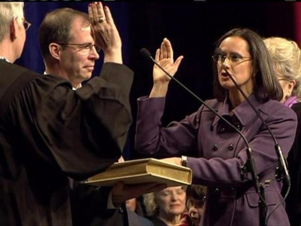 [CHI] Lisa Madigan Takes Oath of Office