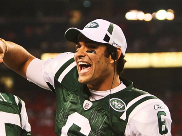 Jets Rookie One of Hottest QBs in Football