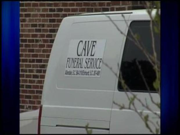 [CHI] Funeral Home Shortens Corpse to Fit Coffin