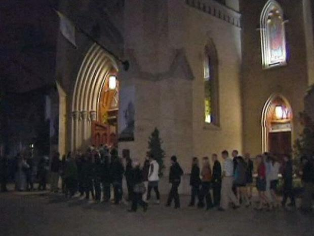 [CHI] Notre Dame Gathers to Remember Student Killed in Fall