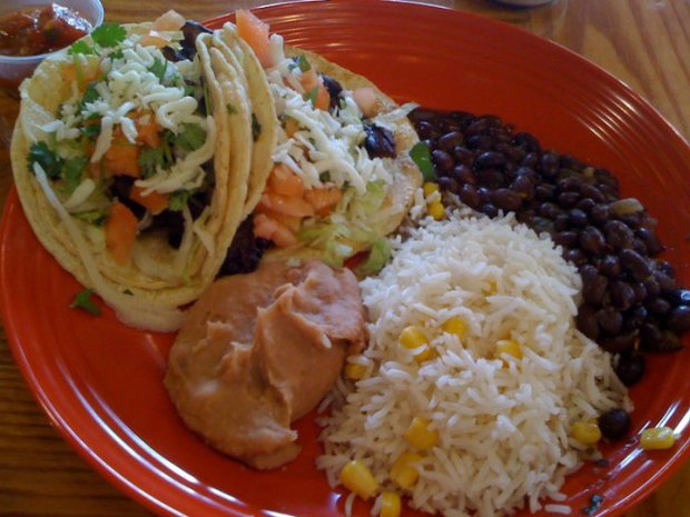 [CHI] Wayne Spotlights New Uptown Restaurant
