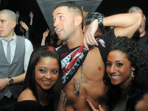 "Chicago Ladies Love ""The Situation"""