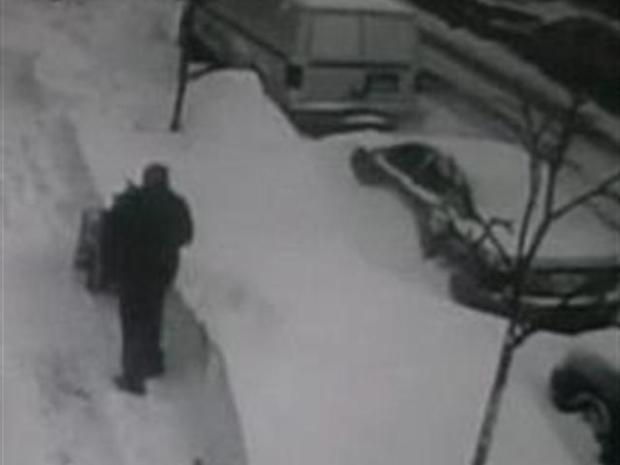 "[CHI] ""The Rundown:"" Snow Joke- Man Gets Revenge on Shovel Thief"