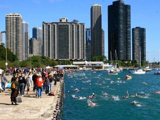 [CHI] Thousands Compete in 2009 Chicago Triathlon