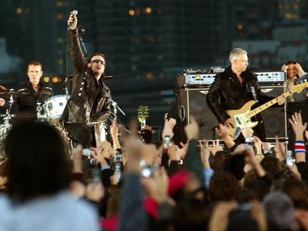 [CHI] U2 Visits NBC Tower, WXRT Radio
