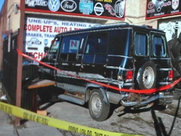 [CHI] Surveillance Video Shows Van Crashing into Repair Lot