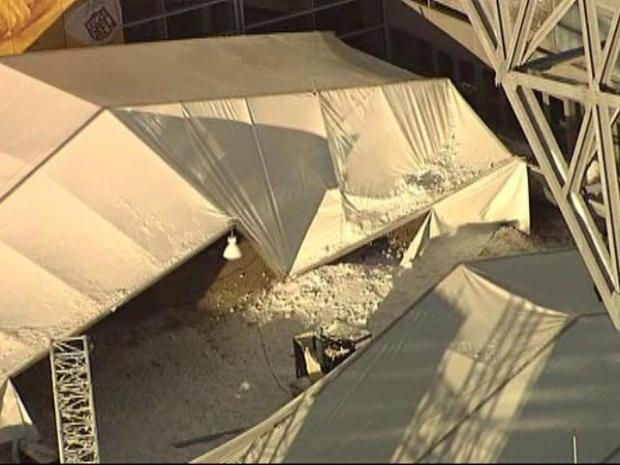 [DFW] Falling Snow Strikes Cowboys Stadium Tent