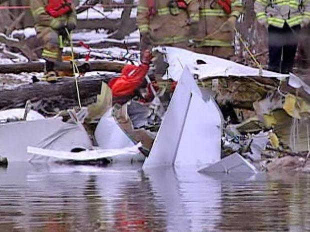 [CHI] Recovery Crews Explore Wreckage