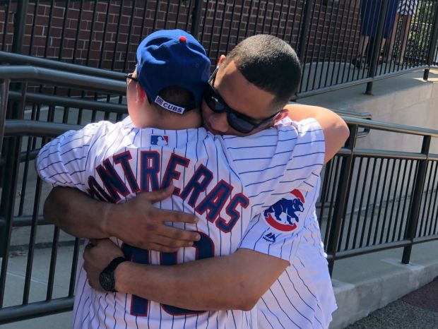 [CHI] Cubs' Contreras Surprises 11-Year-Old Buddy at School