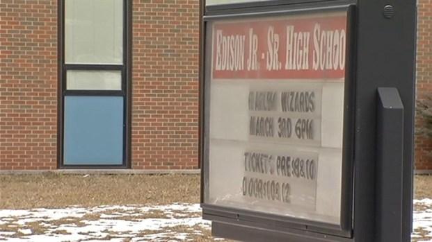 [CHI] Parents, Authorities Spar Over Suspended Teacher