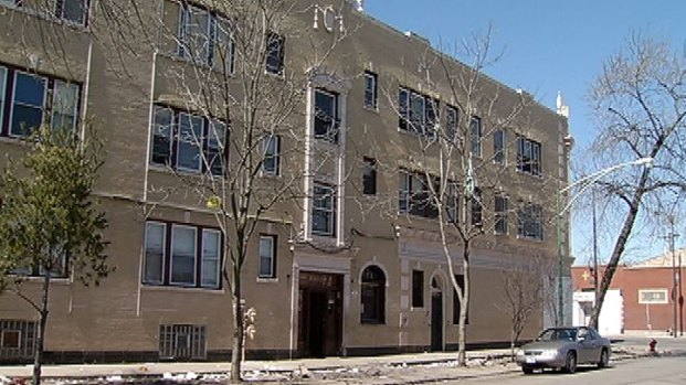 [CHI] Evicted Residents Get Help With Moving Costs