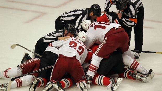 PHOTOS: Blackhawks vs. Coyotes Game 3