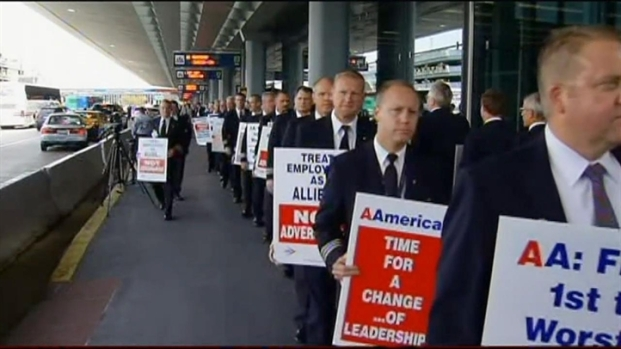[CHI] AA Pilots Picket at O'Hare
