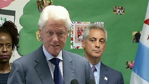 [CHI] Former President Bill Clinton Tours Englewood School