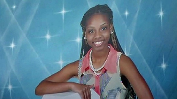 [CHI] Friends, Family Mourn Slain Teen Girl