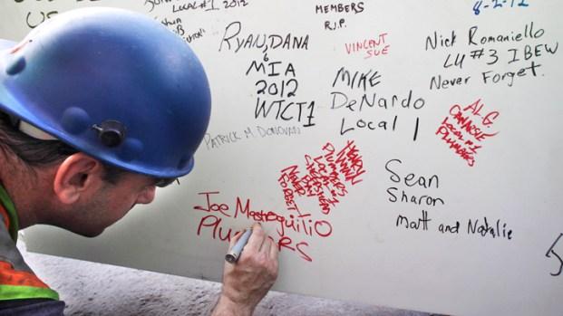 [AP] Hidden Art: World Trade Center Graffiti
