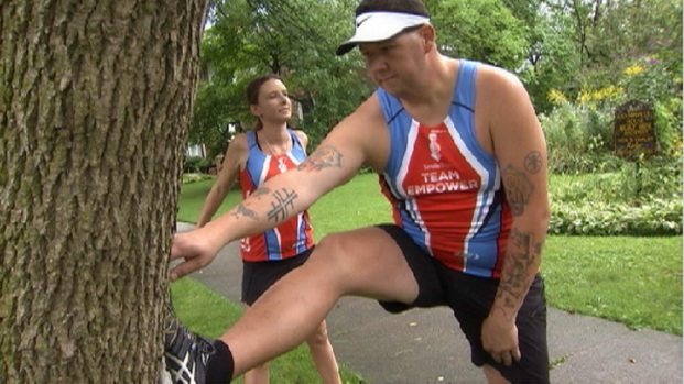 Celeb Chef Graham Elliot Tackles Chicago Marathon