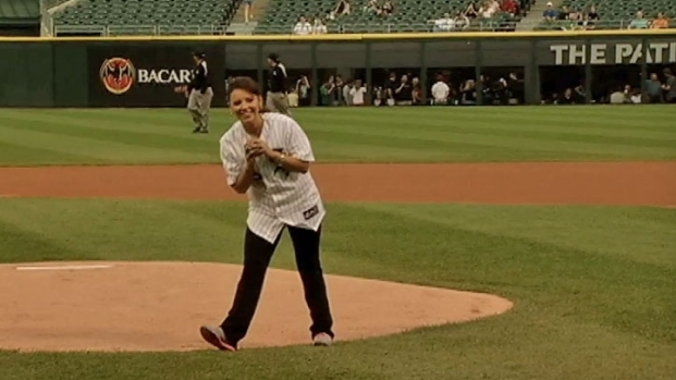 [CHI] Daniella Guzman Throws First Pitch