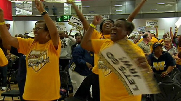 [CHI] Jackie Robinson West Fans Celebrate Win at Watch Party