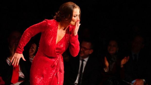 [NBCAH] Minka Kelly Chooses Red Dress for Fashion Week