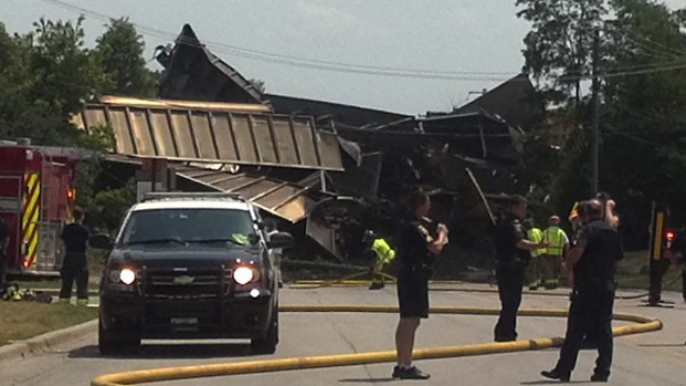 [CHI] Freight Train Derails, Bridge Collapses