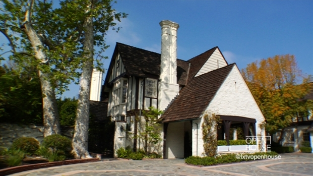 [LXTVN] Square Feet: Tudor-Style with Views of the Country Club