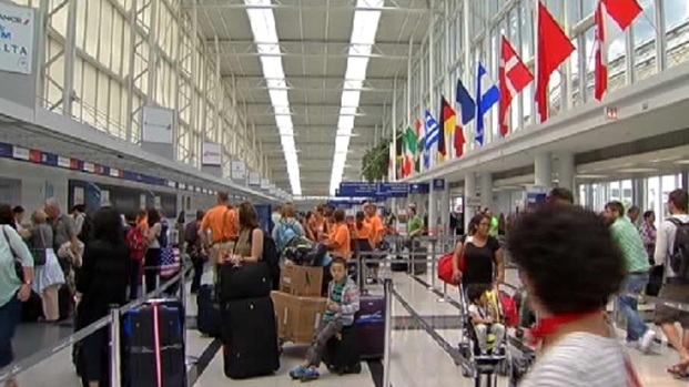 [CHI] O'Hare Passengers React to Malaysian Airlines Crash
