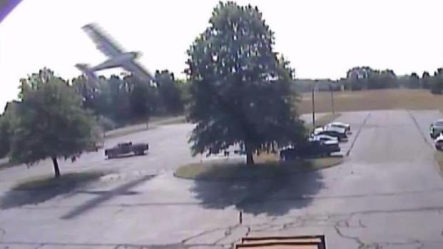 Camera captures CT  plane crash