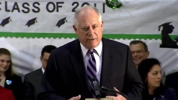 [CHI] Quinn Touts Education Reforms