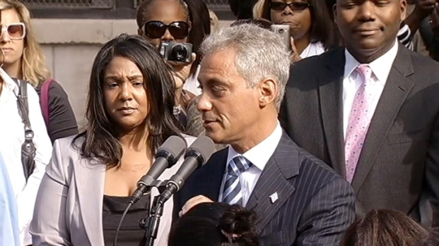 [CHI] Emanuel Praises 3 Schools for Extending Day