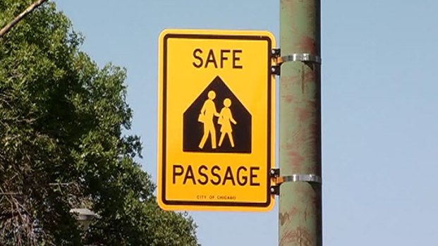 """[CHI] CPS Begins Training """"Safe Passage"""" Workers"""