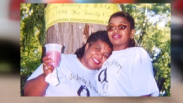 [CHI] Family Mourns Mother Gunned Down at Family Party