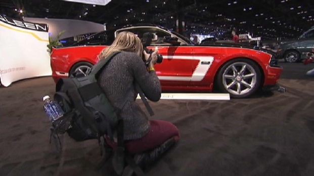 [CHI] Auto Show Hosts Social Media Day