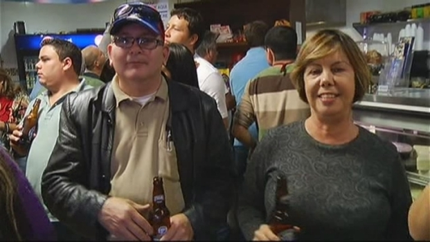 [MI] South Floridians Gather After Hearing About Hugo Chavez Death