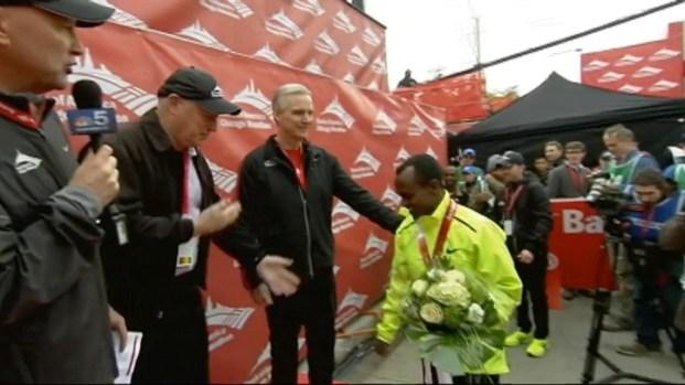 [CHI] Marathon Winners Medal Presentation
