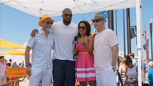 [CHI] Israel Idonije Shows Support at Ashore Thing