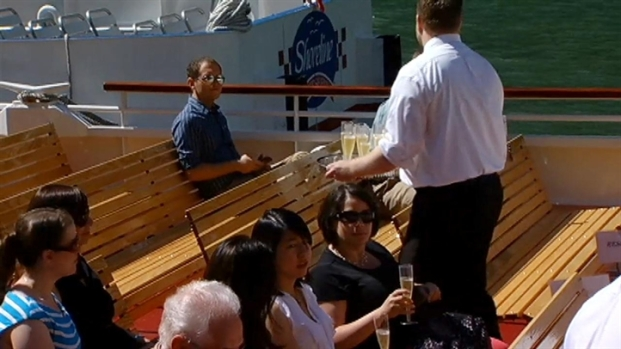 [CHI] Shoreline Sightseeing Christens New Tour Boat