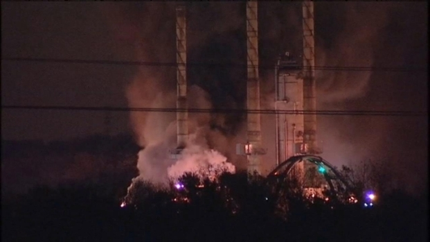 [CHI] Raw: Fire at Lemont Refinery