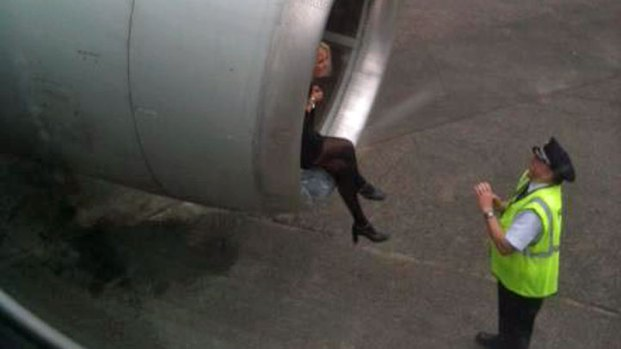 AA Passenger's Photos During Flight Delay