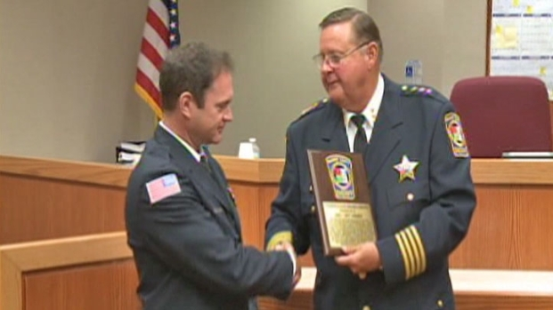 [CHI] Paramedic Honored for Saving Little Girl