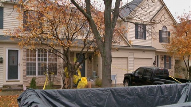 [CHI] Hundreds of Birds, Some Dead, Found in Aurora Home