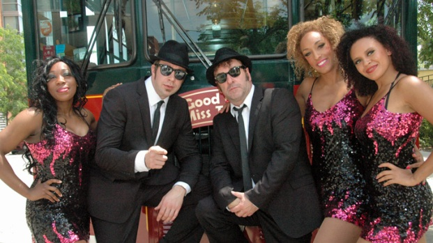 [CHI] British Blues Brothers' Chicago Trolley Tour