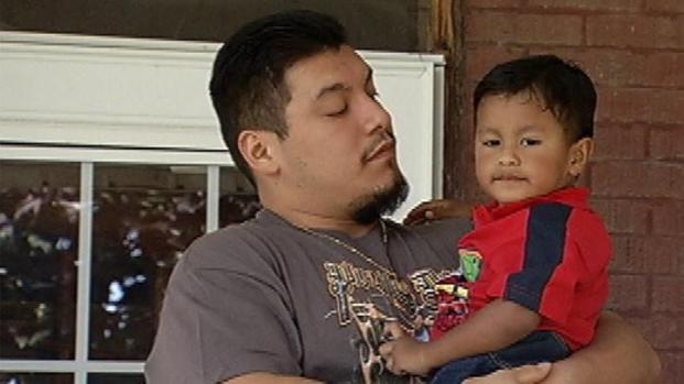 """[CHI] Father: Man Grabbed My Son """"Out of Nowhere"""""""