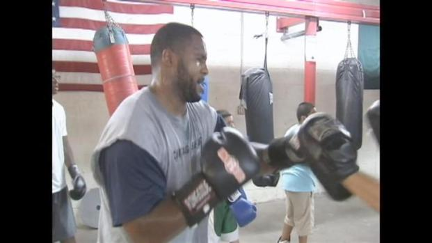 [CHI] Briggs Boxing During Lockout